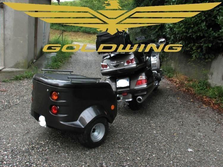 remorque bagagere pour moto honda goldwing side car trike. Black Bedroom Furniture Sets. Home Design Ideas